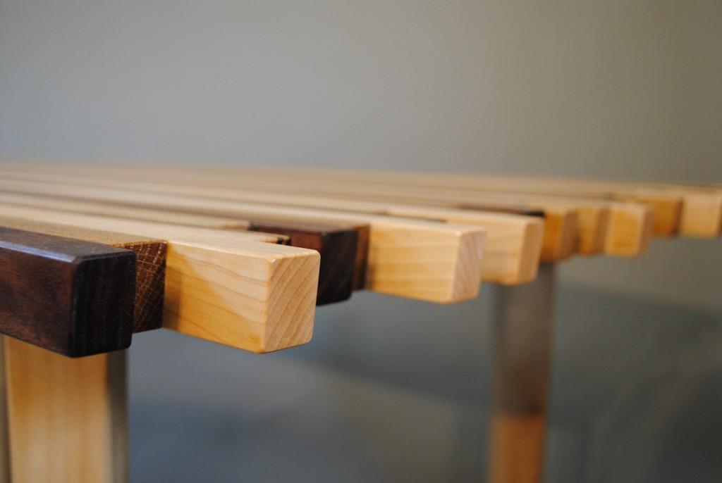 Streepjestafel 4 houtsoorten Meubelmaker Marijn Hoegen